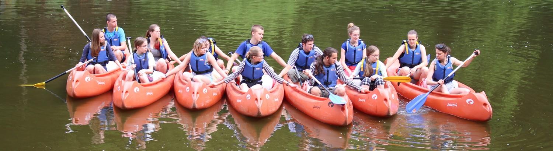 Účastníci kurzu Vítr do plachet na kánoích